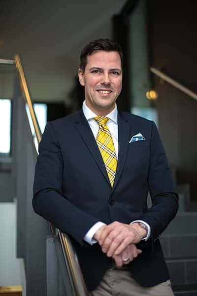 Businessportrait: Mann im Anzug